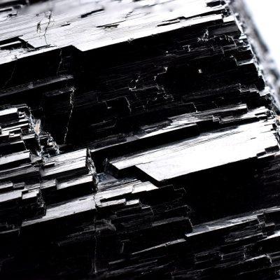 Turmalină Neagră cu o Superbă Terminaţie